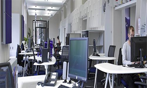 HI-MACS oficinas